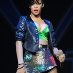 rihannay100jingleball0-150x150 Rihanna: photos sexy en mini jupe
