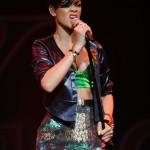 rihannay100jingleball10-150x150 Rihanna: photos sexy en mini jupe
