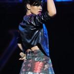 rihannay100jingleball11-150x150 Rihanna: photos sexy en mini jupe