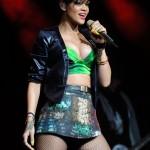 rihannay100jingleball2-150x150 Rihanna: photos sexy en mini jupe