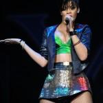 rihannay100jingleball4-150x150 Rihanna: photos sexy en mini jupe