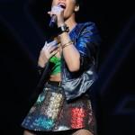 rihannay100jingleball9-150x150 Rihanna: photos sexy en mini jupe